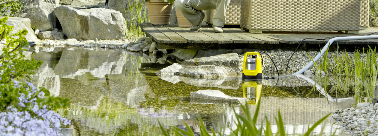 SP7 Karcher pump emptying a pond