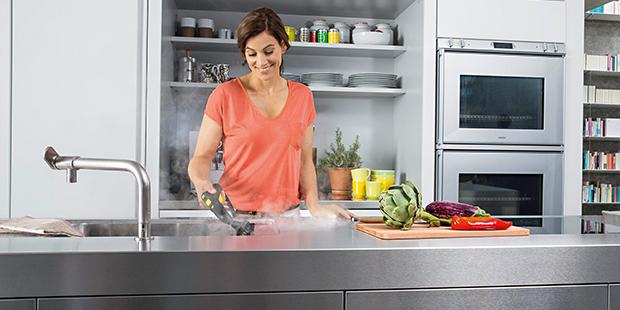 Küchenreinigung mit Dampf