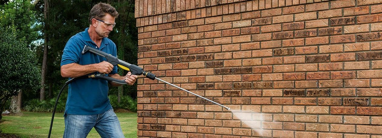 VersaGRIP Cleans Brick Wall