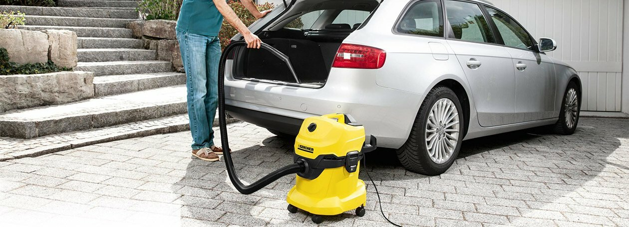 Wet/Dry Vacuum Cleans Vehicle Trunk
