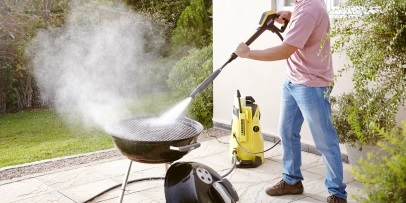 Cleaning a Barbeque