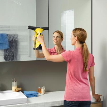 fenster reinigen und streifenfrei putzen k rcher. Black Bedroom Furniture Sets. Home Design Ideas