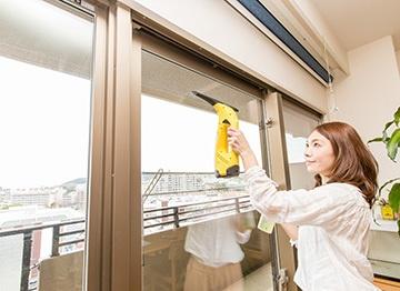 部屋の窓掃除